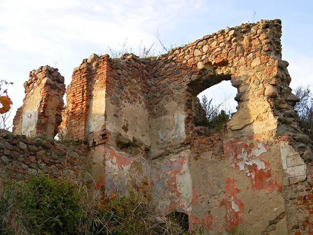 warto zobaczyć, zabytkowe ruiny