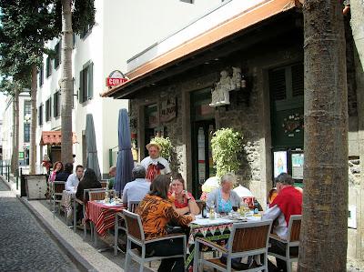 Restaurante O Avo, Funchal, Madeira, Portugal, La vuelta al mundo de Asun y Ricardo, round the world, mundoporlibre.com