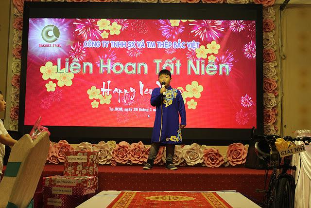 """Ca Sĩ nhí Lê Vinh với Ca Khúc nổi tiếng """" Dòng Máu Lạc Hồng"""""""