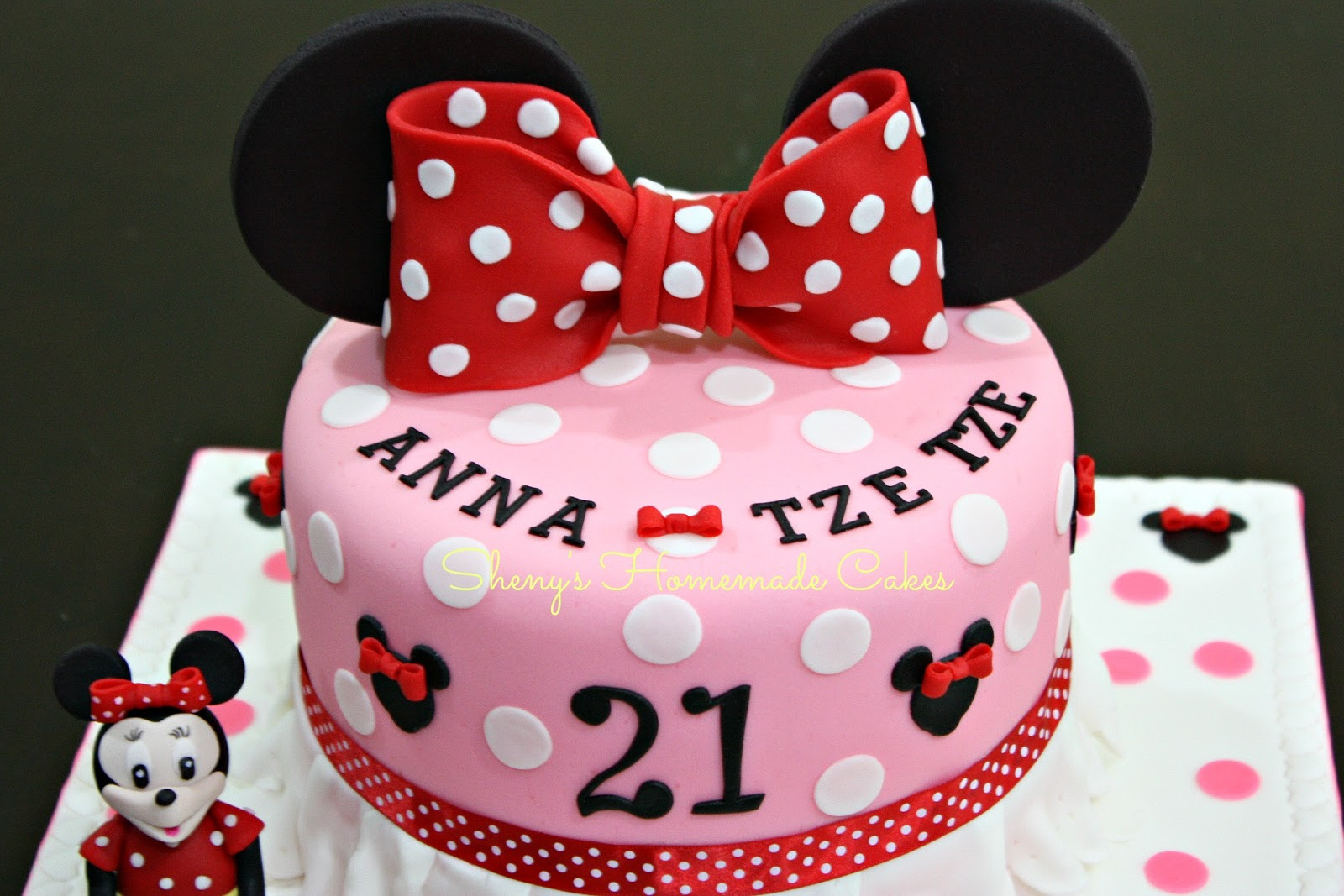 Shenys Homemade Treats Minnie Mouse Themed 21st Birthday Cake