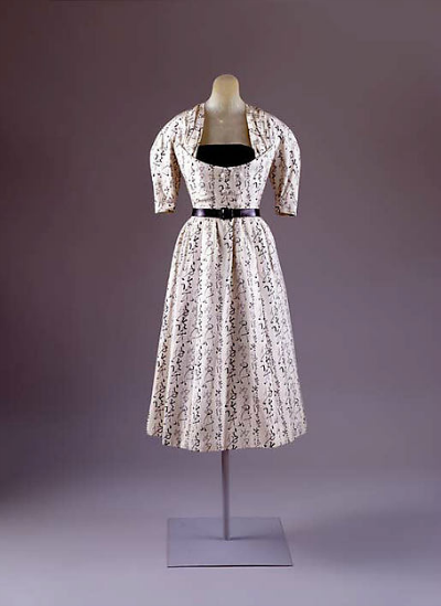 Day dress by Christian Dior 1951 collection Quiproquo with Asian Print displayed on mannequin
