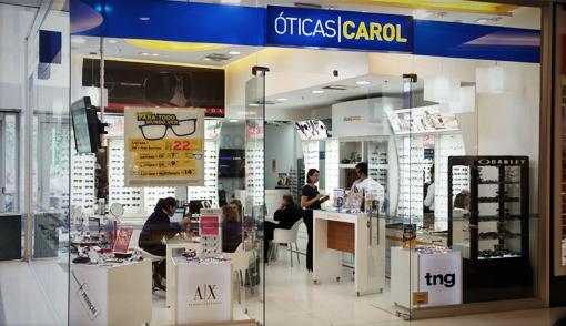 Italiana Luxottica compra Óticas Carol por 110 mi de euros