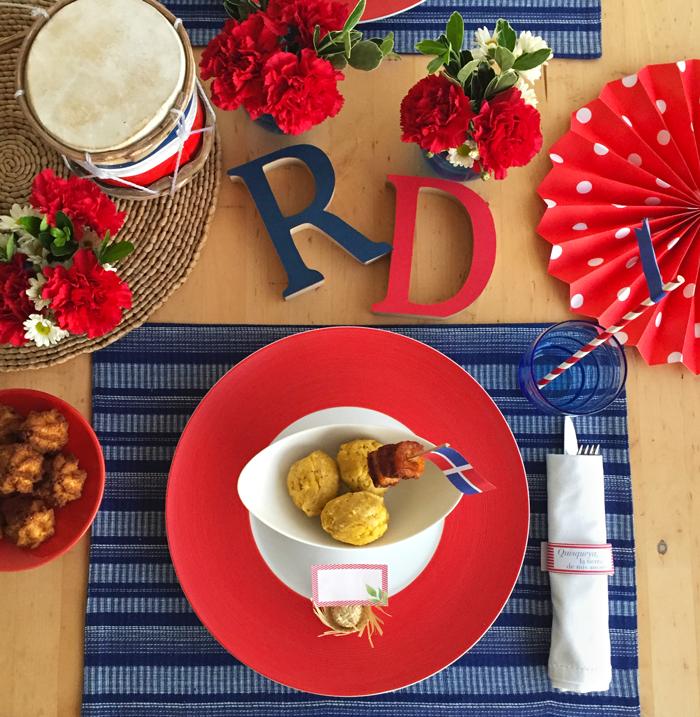 27 de febrero, Quisqueya, manualidades, hazlo tú mismo, fiesta, celebración, brunch, bandera dominicana, guirnalda, decoración, mesa, manga, queso frito