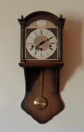 1949 Brick Ranch Vintage Chiming Pendulum Wall Clock