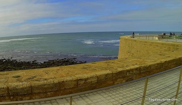 Muralhas de Cádiz, Andaluzia: mirante da Fortaleza de San Sebastián