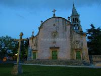 Župna crkva Gospa Karmelska, Nerežišća, otok Brač slike