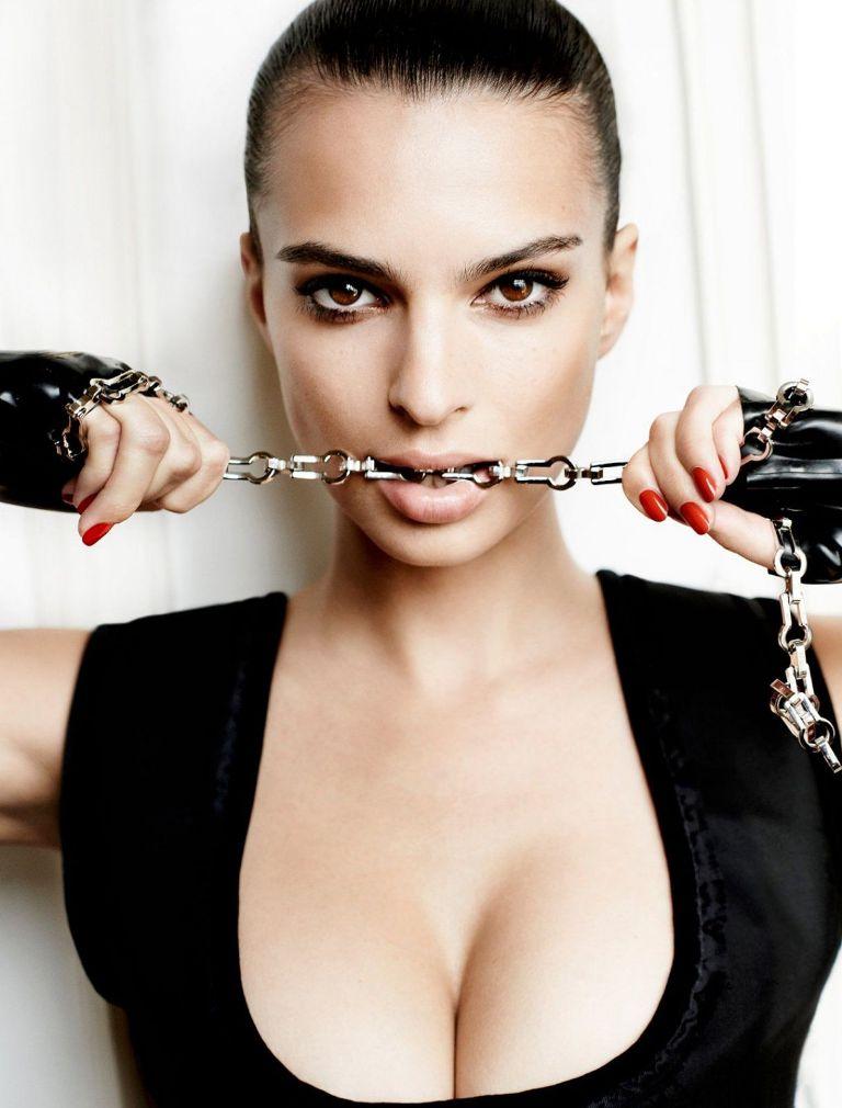 Emily Ratajkowski Fashion Model
