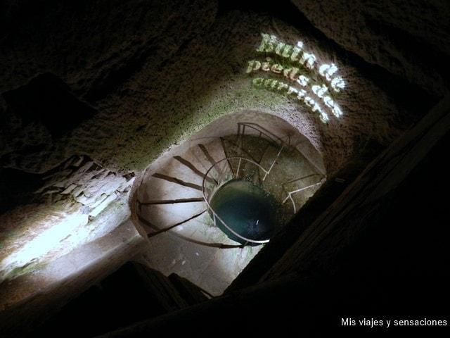 Baño de pies de los canteros, catacumbas de París, Francia