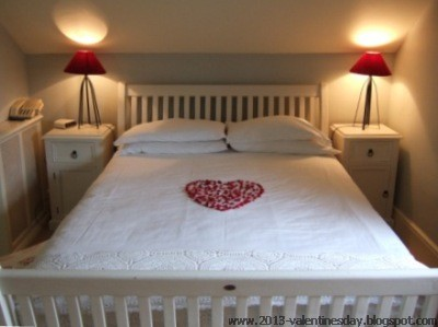 valentine's+day+bed+decoration+(1)
