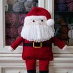 http://www.sewrella.com/2017/09/crochet-santa-clause-with-huggies.html