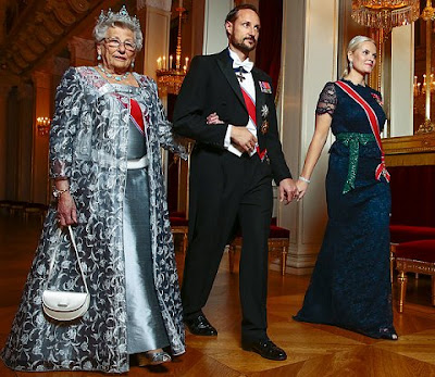 Crown Princess Mette-Marit wore Valentino Cocktail Gown,  Cocktail Dresses, Sonja Diamond Tiara, Crown Princess Diamond leaf Tiara, Diamond earrings