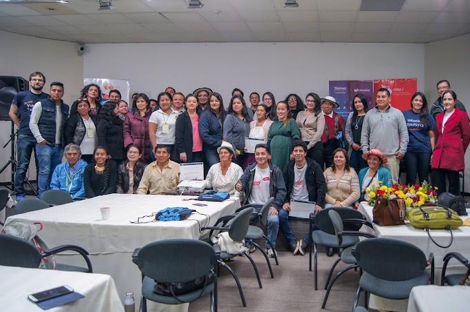 """Más de 50 artesanos se capacitaron en el proyecto """"Herramientas Digitales para la Artesanía"""" de Fundación Telefónica Ecuador"""