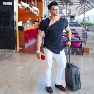 Sahil Khan movies, age, bodybuilding, images, wife, photos, ayesha shroff and his relationship, bigg boss, ayesha shroff, workout, actor, ayesha shroff relationship, girlfriend, wallpaper, family, style, gym, upcoming movie, father, in style