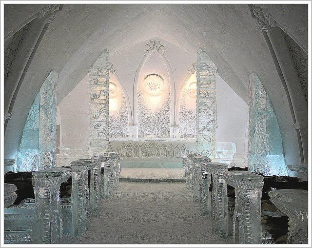 Québec City's Village Vacances Valcartier's Hôtel de Glace ice chapel
