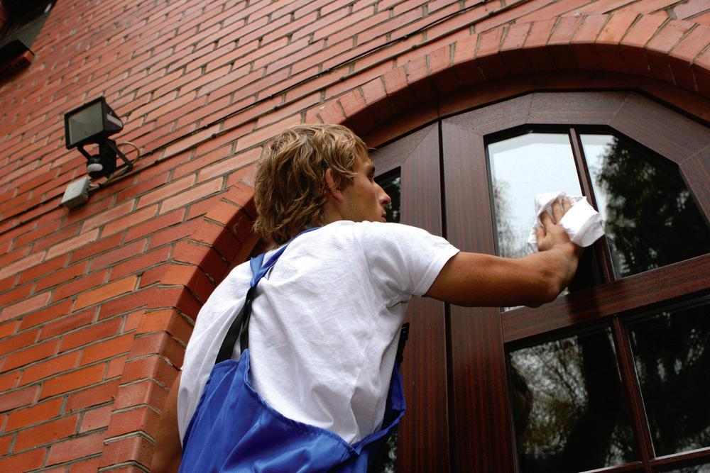 Why Choose Professional Window Cleaning? - Window Butler ...  |Professional Window Cleaning