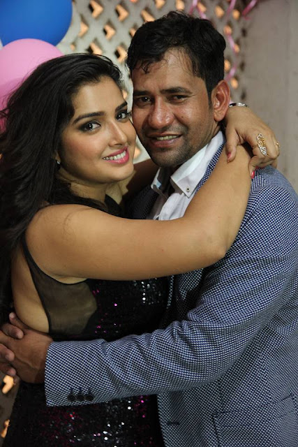 Dinesh Lal Yadav at Amrapali Dubey Birthday Party