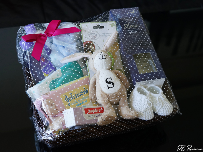 How to make a baby gift hamper