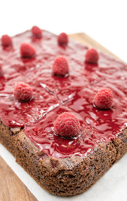 Vegan choco banana cake with raspberry blog shot