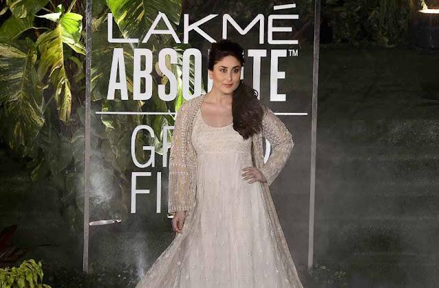 Kareen Kapoor Khan Stills at Lakme Fashion Week 2017