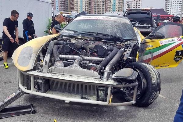 Ferrari 599 GTB Fiorano Fórmula Drift prendida fuego