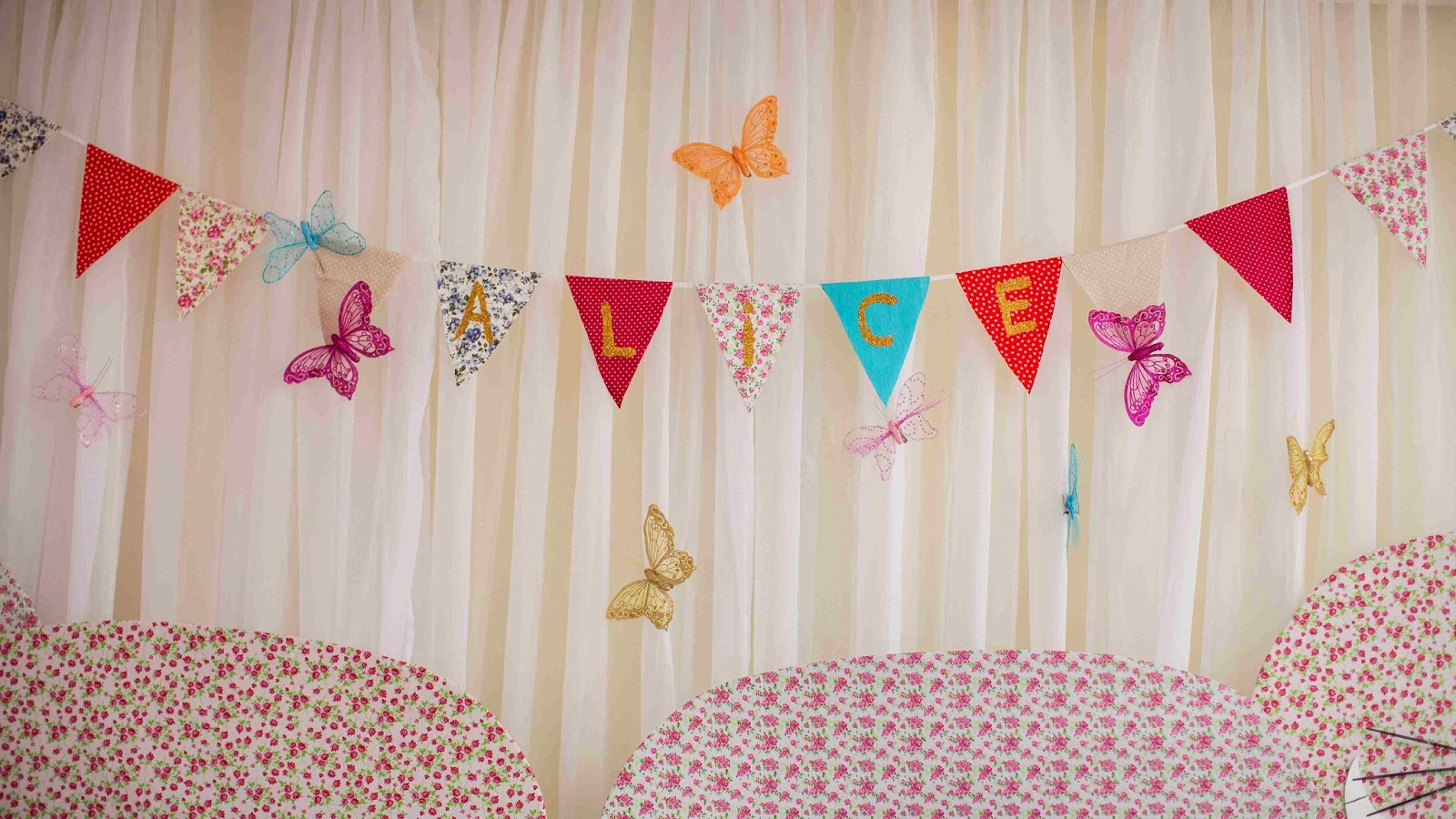 festa-alice-pais-maravilhas-bandeirola