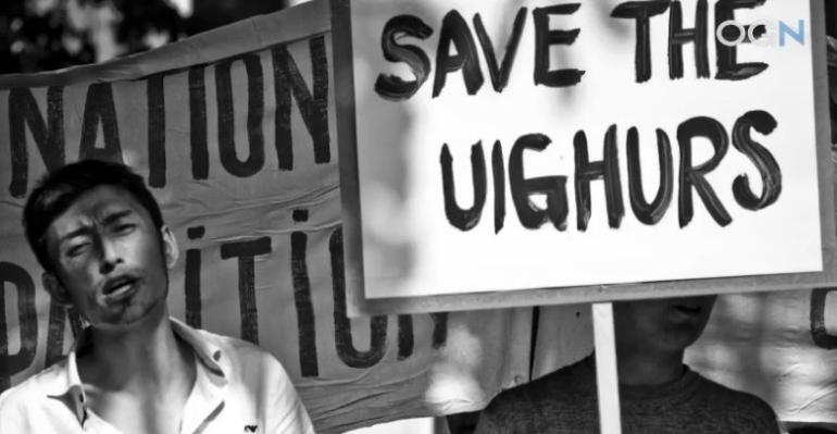 China Potong Tayangan Debat tentang Muslim Uighur
