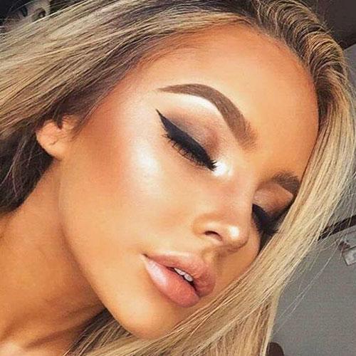 cara maquillada con mucho iluminador tendencias 2018
