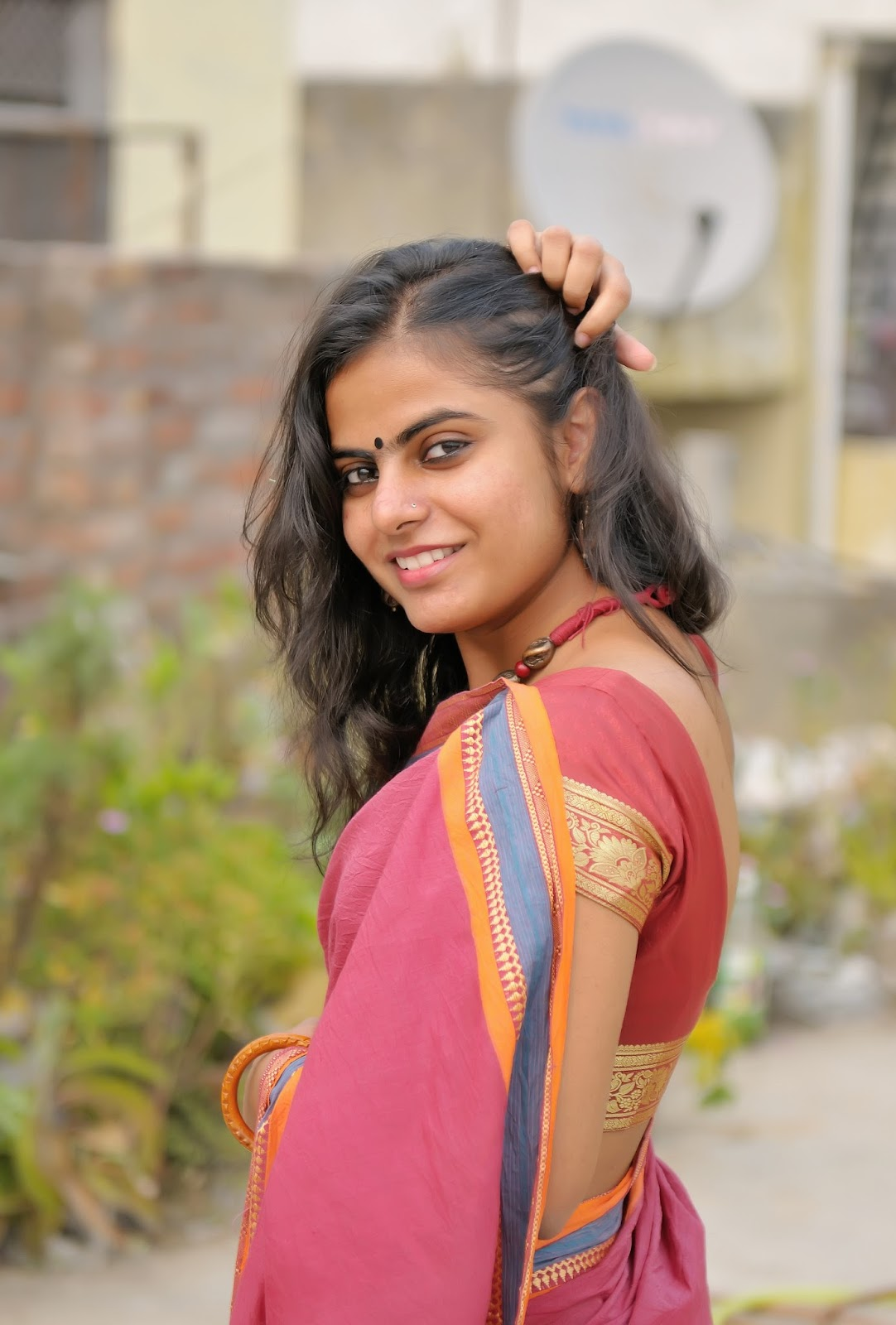 50 Stunning High Quality Images of Indian Girls in Saree!