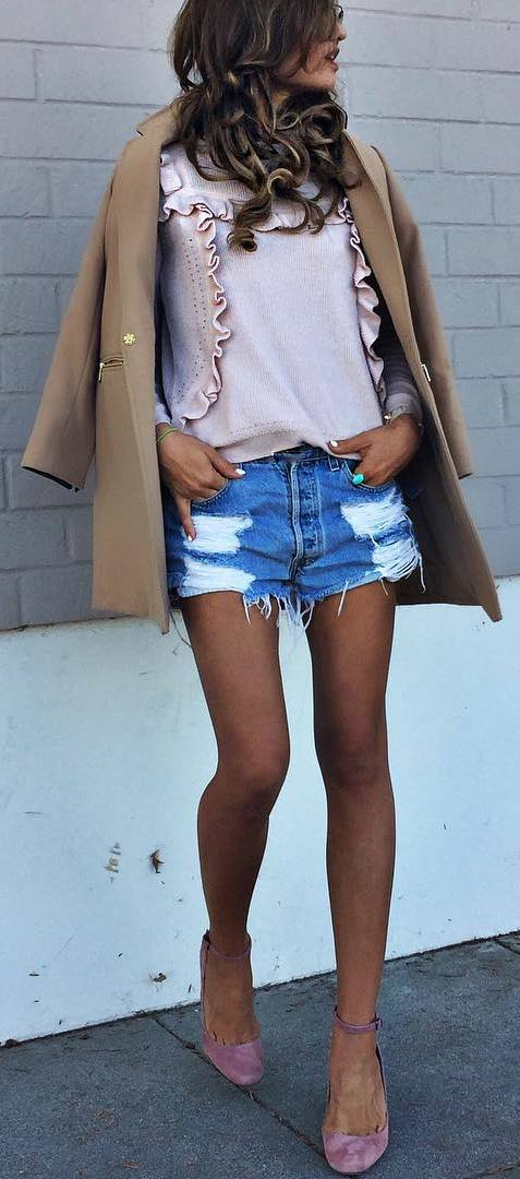 cool outfit idea: coat + top + shorts