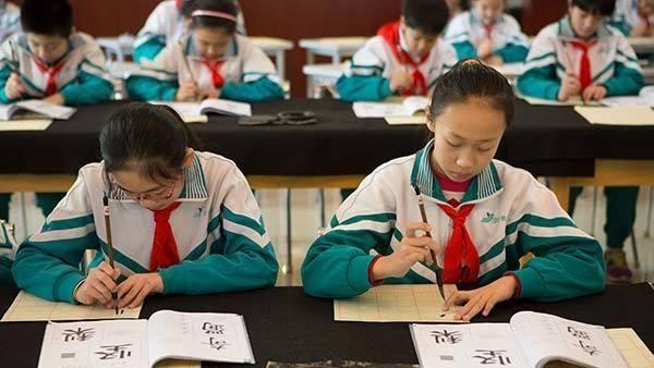 China cierra 2017 con asistencia a 96 millones de estudiantes
