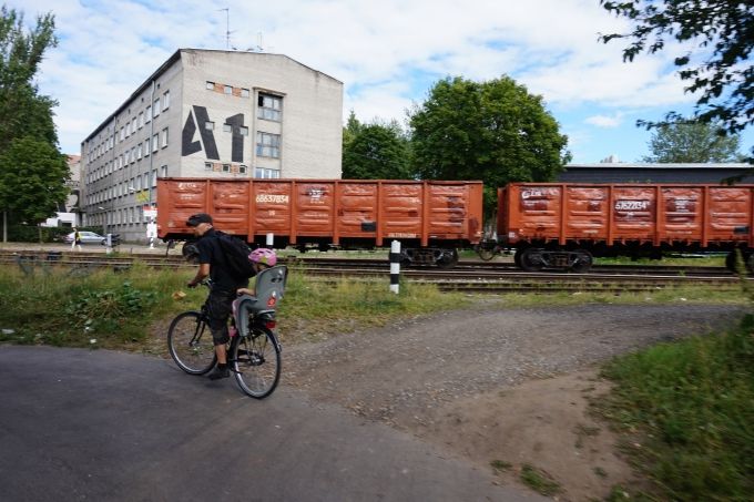 Pyöräillen Tallinnassa - Kalamaja Telliskivi Loomelinnak ja puutalot
