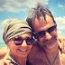 Ο Κυριάκος Μητσοτάκης στην παραλία με τη σύζυγό του (photo)