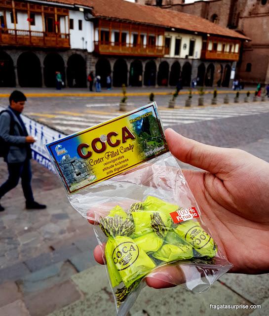Balas de coca contra a altitude, Cusco, Peru