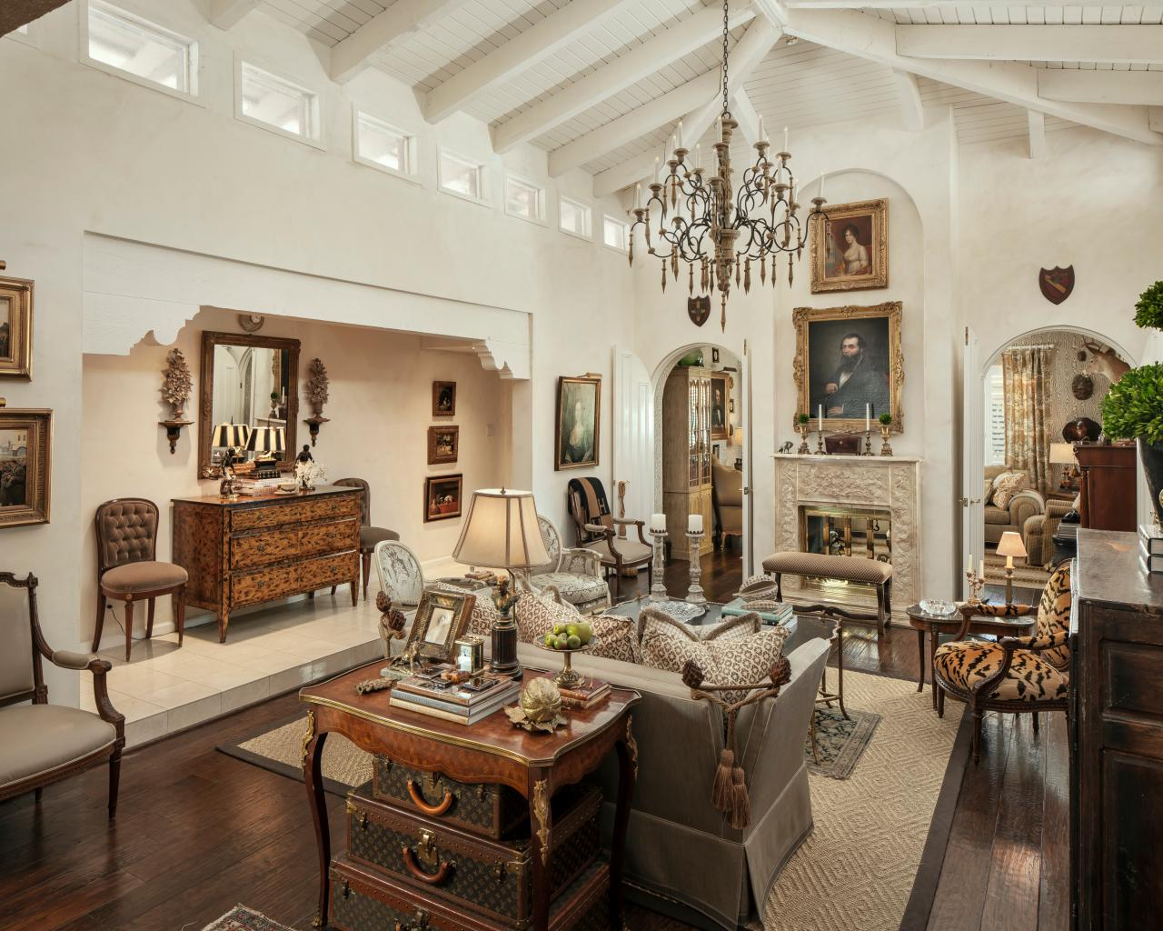 French Nation Style Front Room ! Home Decor