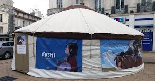 Kushi a planté sa yourte dans les rues d'Angoulême pour le 44ème FIBD