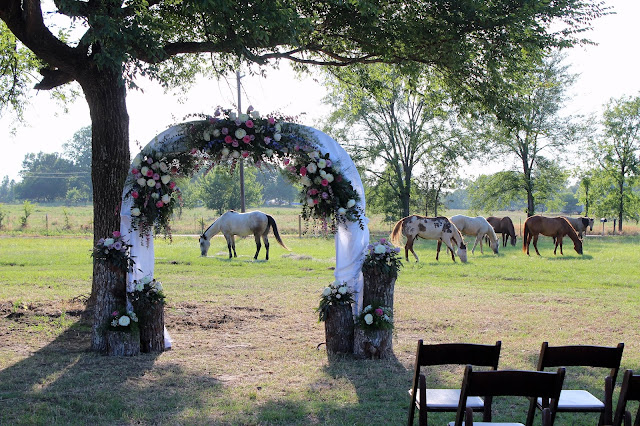 rustic western wedding arch for outdoor wedding