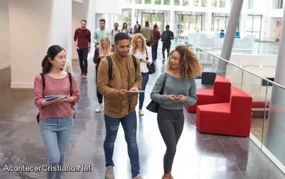 Compartir el Evangelio en universidad