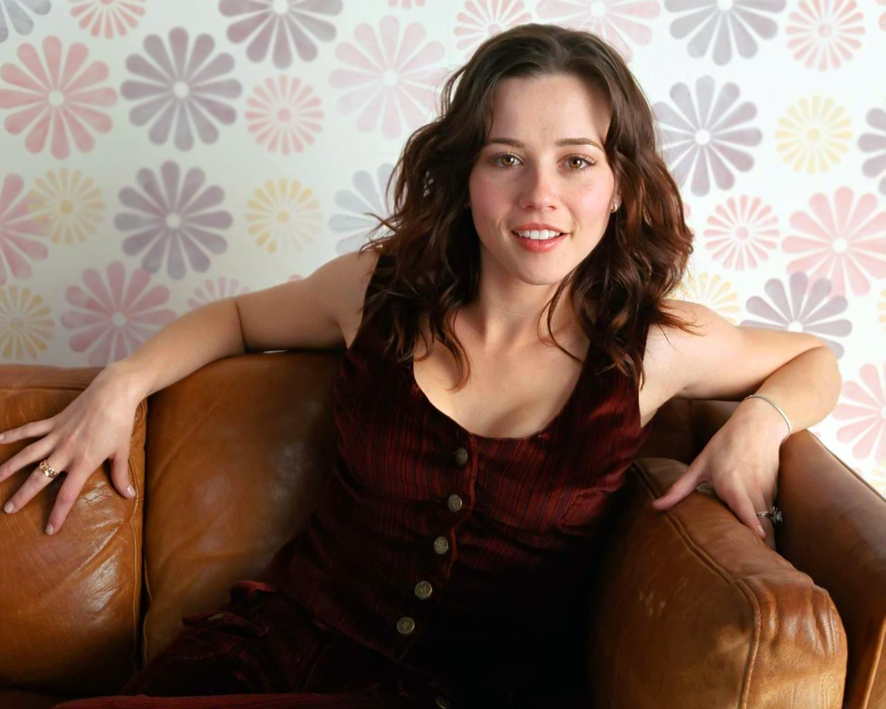 Linda Cardellini or Ellen Page? | IGN Boards