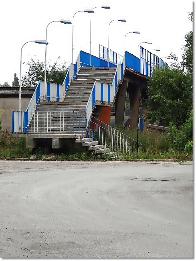 Kładka dla pieszych na stacji Kielce Herbskie