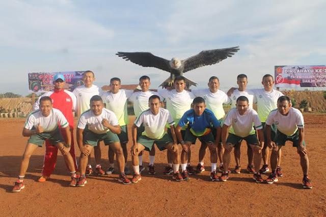 Personel Kontingen Garuda Gelar Olahraga Pagi di Afrika