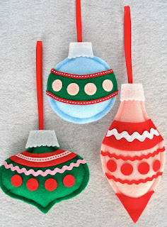 http://handmadecrafts.files.wordpress.com/2009/12/ornaments.pdf