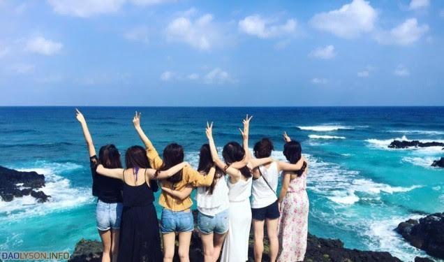 Thời gian được nghỉ ngơi, bạn bè cùng nhau đi du lịch
