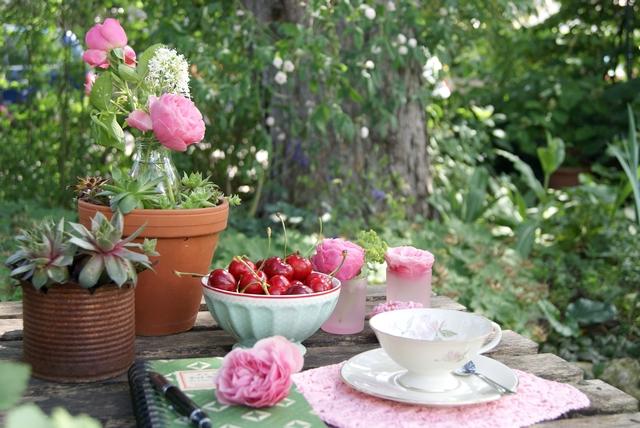 Tischschmuck mit Rosendekoration