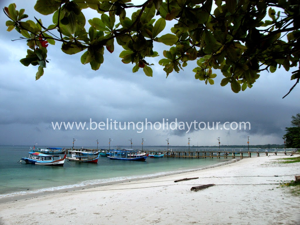pantai tanjung kelayang belitung island