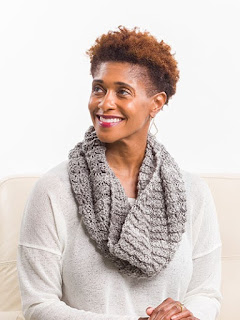 Crochet super simple cowl scarf pattern