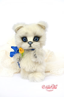 Artist teddy cat, jointed cat, handmade kitten, ooak, mohair kitten, NatalKa Creations, teddies with charm, cat white, Teddykatze, Künstlerteddy, Teddys, Kater, Kätzchen