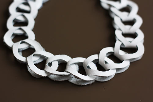 collar, cadena, nudo infinito, bisutería, joyería, cuero, manualidades