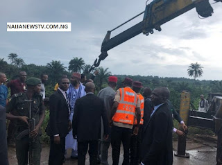 Bukola Saraki Spotted Helping Accident Victim in Imo State