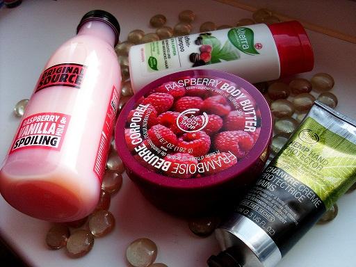 The body Shop, Hamp Hand Protector z The Body Shop, krem do rąk, ciało, Orginal Source płyn do kąpieli, malina  wanilia, Alterra, , Alterra szampon biotyna kofeina,  The Body Shop Rasberry Body Butter