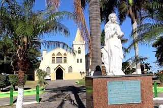 http://vnoticia.com.br/noticia/1304-padre-lucas-e-francimara-anunciam-nesta-quinta-programacao-da-festa-de-sao-francisco